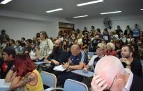 El auditorio colmado de asistentes